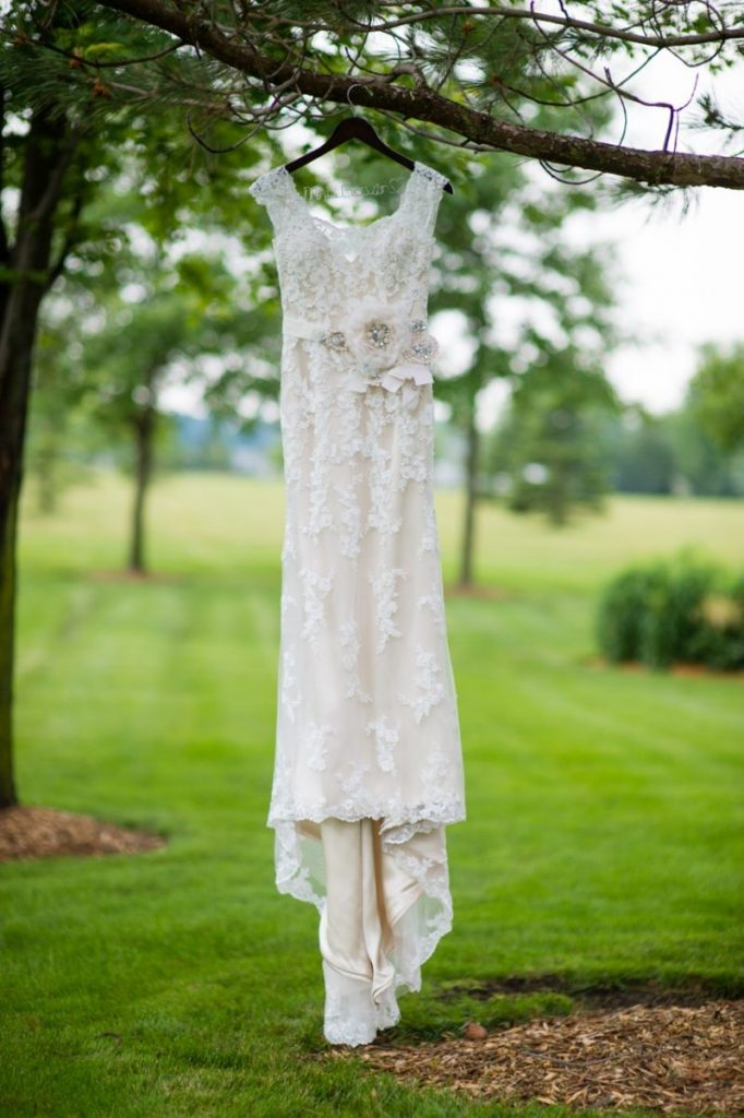 vintage theme wedding ideas - Serenity wedding dress from Justin Alexander