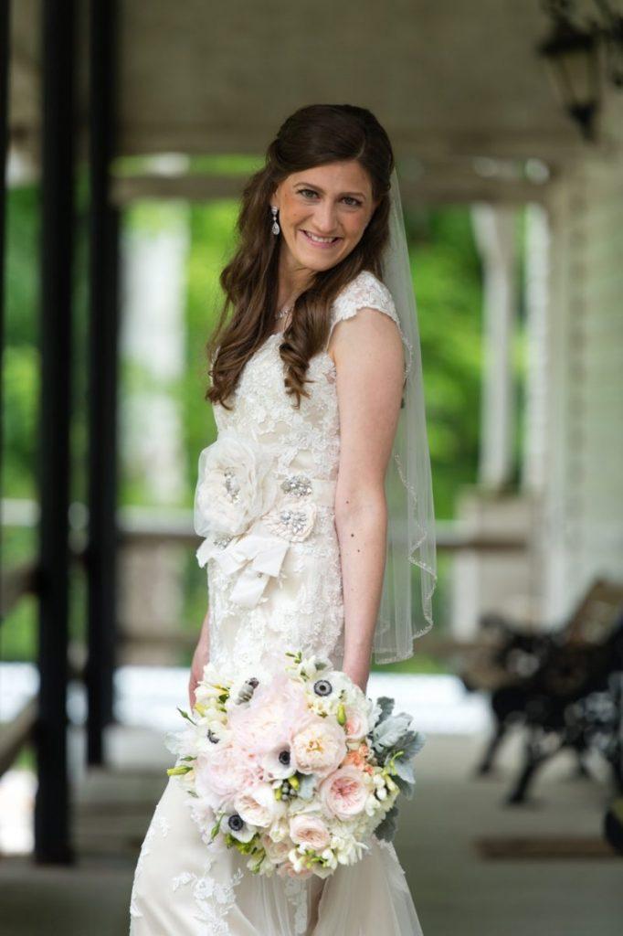 vintage theme wedding ideas - first look - outdoor bridal portraits #wedding #vintagewedding