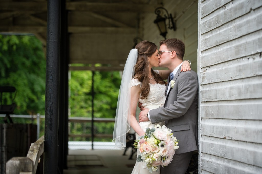 vintage theme wedding ideas - first look - outdoor wedding portraits #wedding #vintagewedding