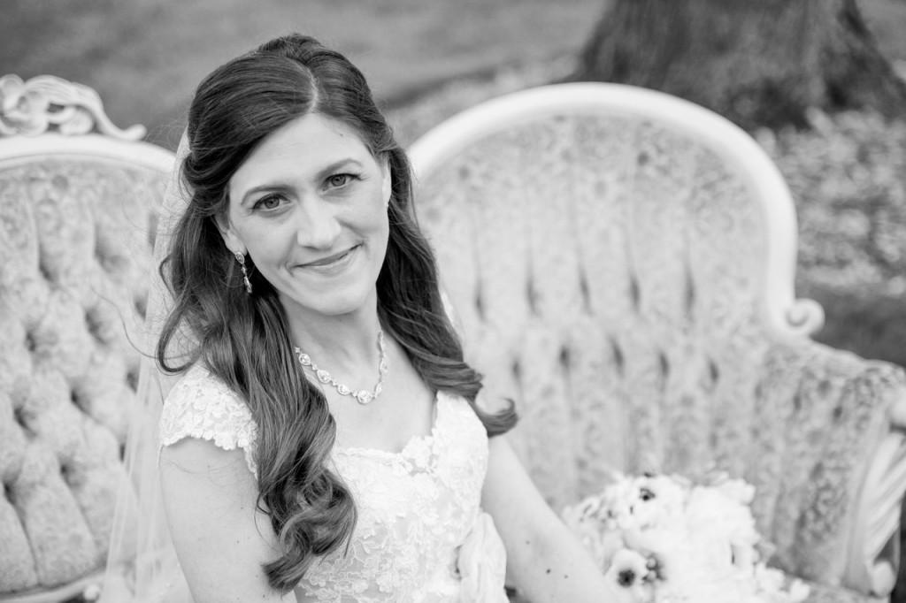 vintage gold french sofa rental - vintage outdoor wedding ideas #vintagewedding #wedding