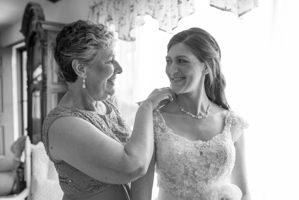 mother of the bride dressing photo #wedding #motherofthebride