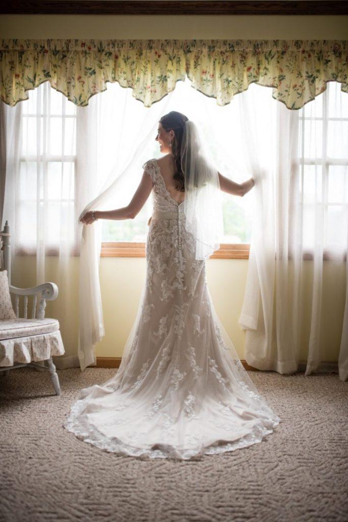 vintage theme wedding ideas #wedding bridal portraits