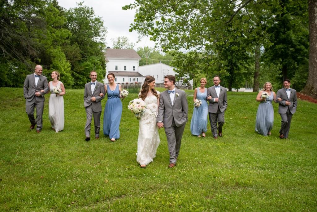 vintage theme wedding ideas - outdoor wedding portraits #wedding #vintagewedding