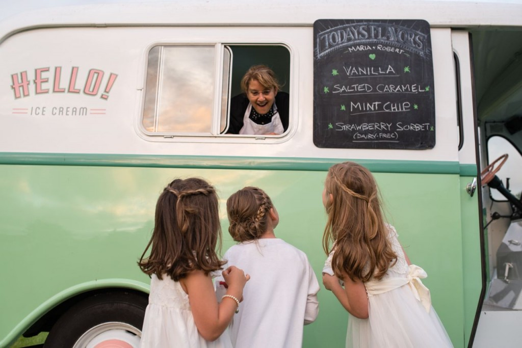 vintage ice cream truck from Hello Ice Cream - vintage wedding ideas