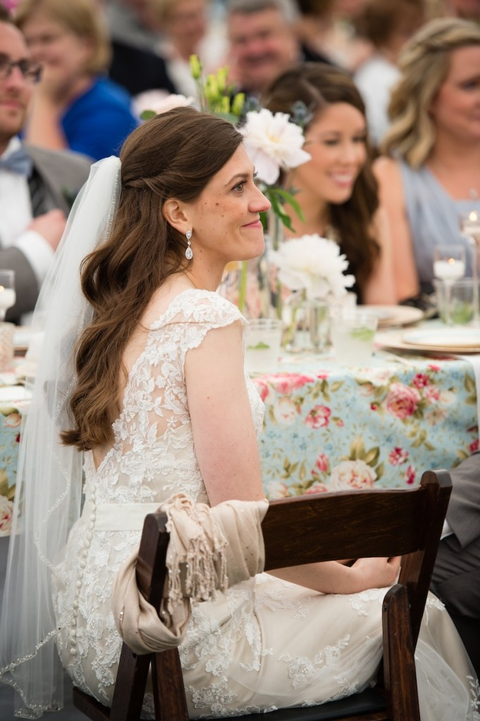 ivory lace wedding dress from Justin Alexander for a vintage wedding