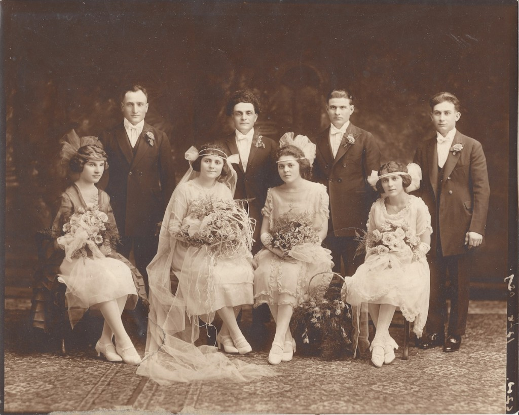 vintage wedding photos - bridal party from the 1930s or 1940s