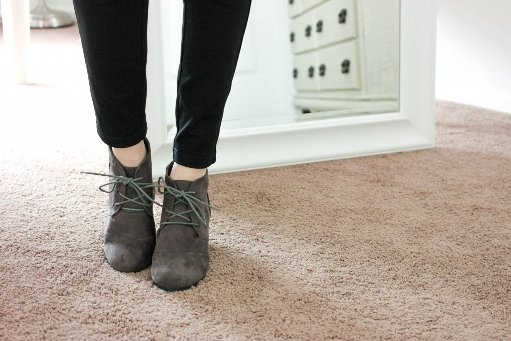 34126e3ab Dream Pairs Women's Casual Outdoor Low Wedge Heel Booties ...