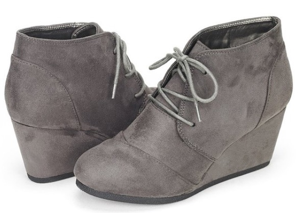 gray suede Dream Pairs booties