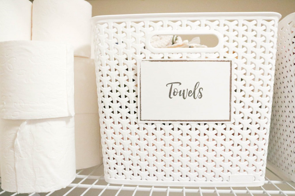 FREE printable labels to organize your laundry room