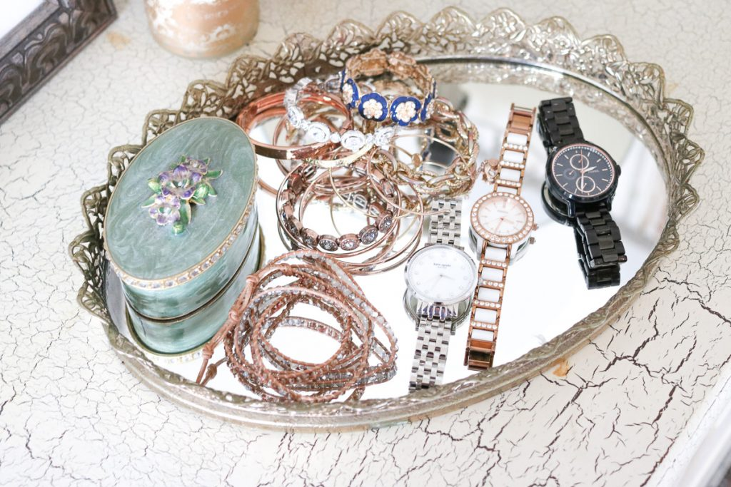 Jewelry and accessory display in home office