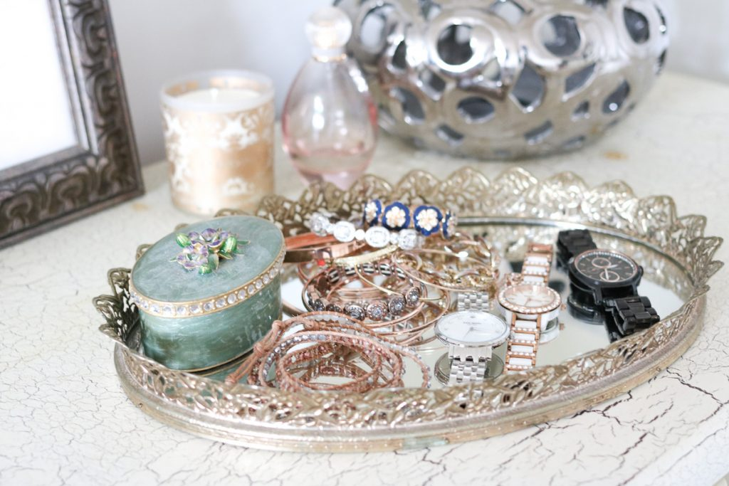 Jewelry and accessory tray in home office