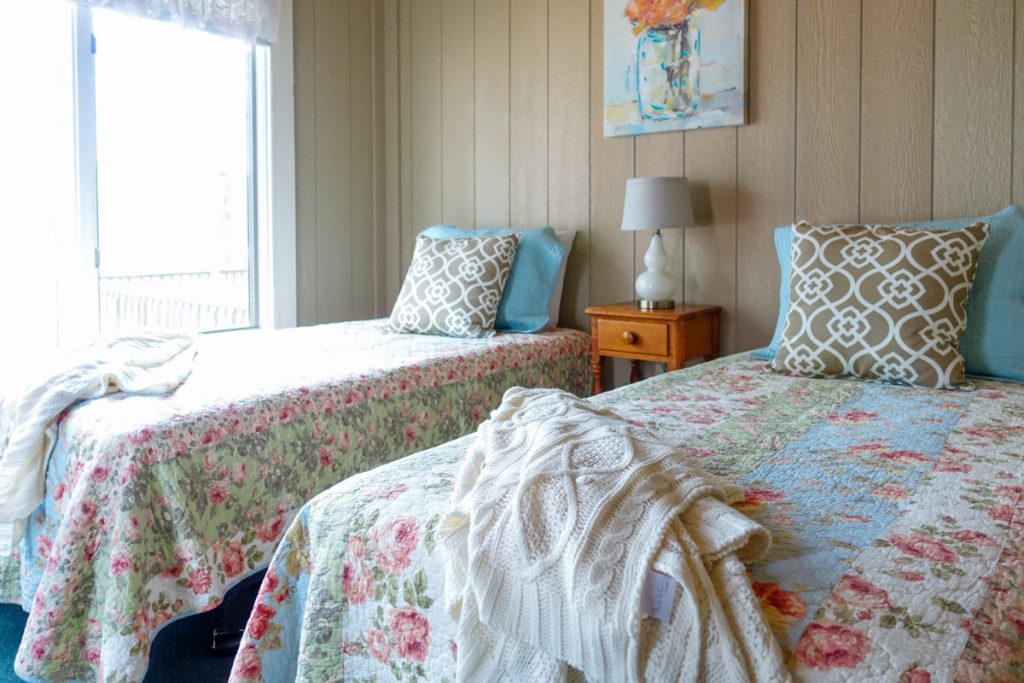 rustic feminine northern Michigan lodging