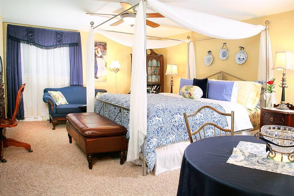 Crazy Together - Prairieside Suites Bed & Breakfast