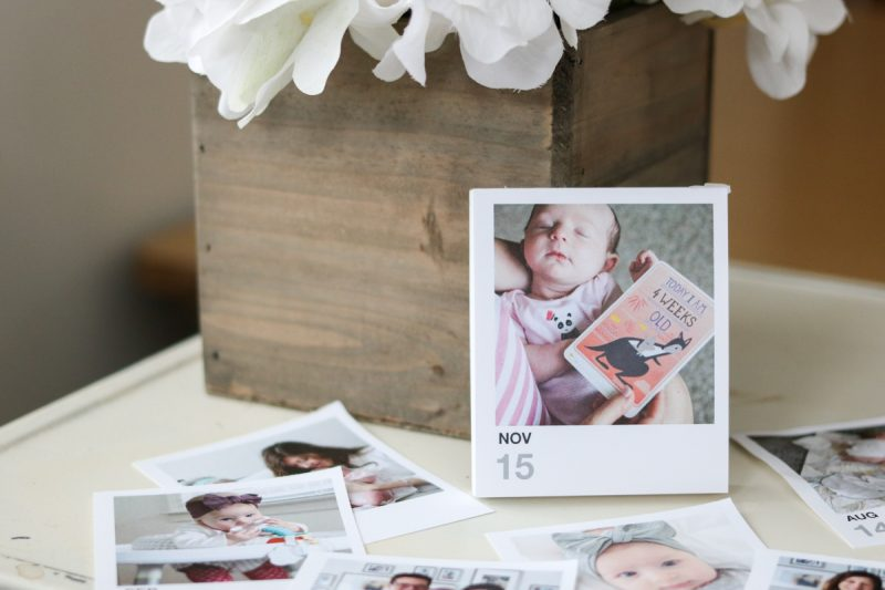 This custom photo page a day calendar is the perfect Christmas gift for grandparents (and aunts and uncles too!) | photo gifts | grandparent gifts | Crazy Together blog #giftideas #christmasgifts