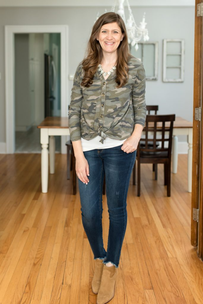 Receive 2-3 complete outfits hand-picked for you from Trendsend by Evereve: personal style delivered to your door with Finn Camo Top from Allison Joy and Kut from the Kloth Connie Ankle Skinny jeans | A comparison of Stitch Fix vs. Trendsend | clothing style services | clothing subscription boxes | personal styling | Crazy Together blog #stitchfix #trendsend #personalstylist
