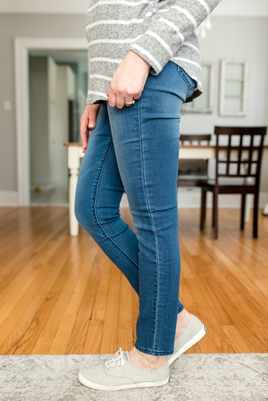 Cheaper than Stitch Fix: Fashom stying service review | High Rise Skinny Jeans from Just USA | A comparison of Stitch Fix vs. Fashom | #stitchfix #fashion | Crazy Together blog