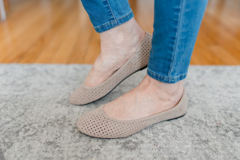 beige laser cut flats | spring fashion | spring style | Crazy Together blog