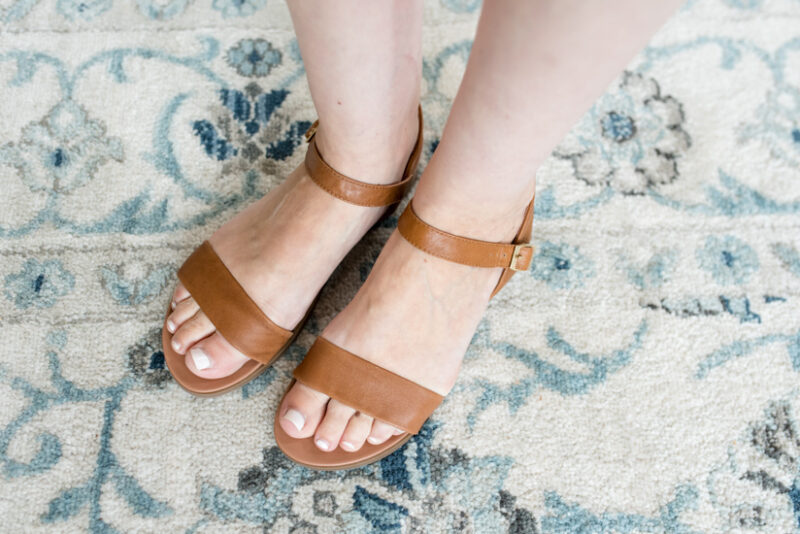Stitch Fix Maternity Review - Dina Leather Sandal from Steve Madden | Stitch Fix style | Stitch Fix clothes | fashion | fall clothes | #stitchfix | Crazy Together blog