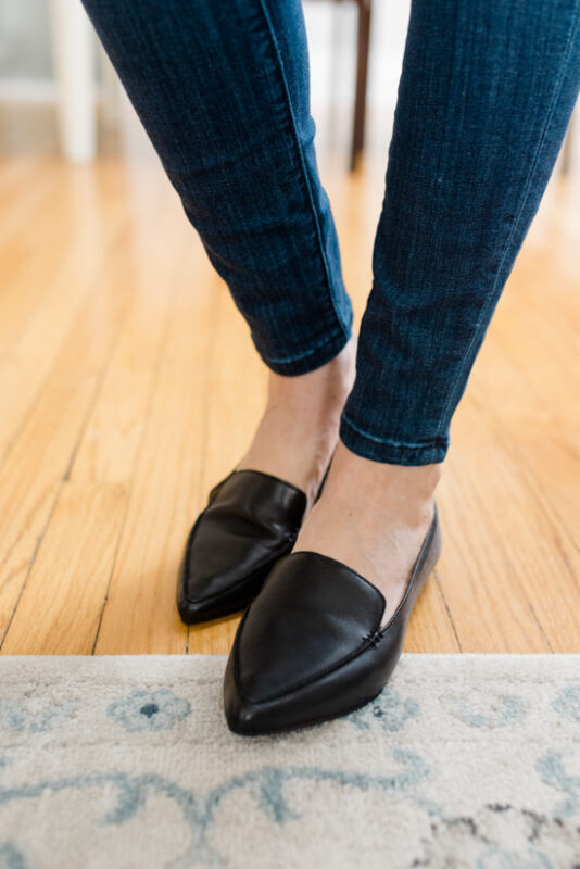 Postpartum Trunk Club Review featuring Steve Madden Feather Loafer Flats | Trunk Club clothes | personal styling service | #trunkclub | #winterclothes | #postpartum | #nursing | Crazy Together blog