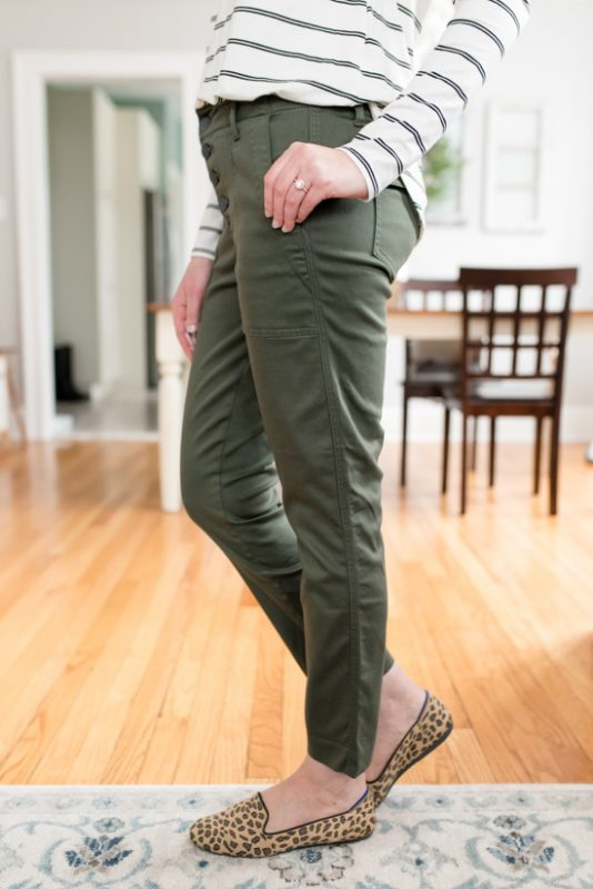 My Trendsend Shipment that Came Before the Quarantine | Trendsend by Evereve personal styling service | Aiden Trouser pants with Exposed Buttons from Level 99 | #trendsend #stitchfix #stylebox | #stylereview | Crazy Together blog