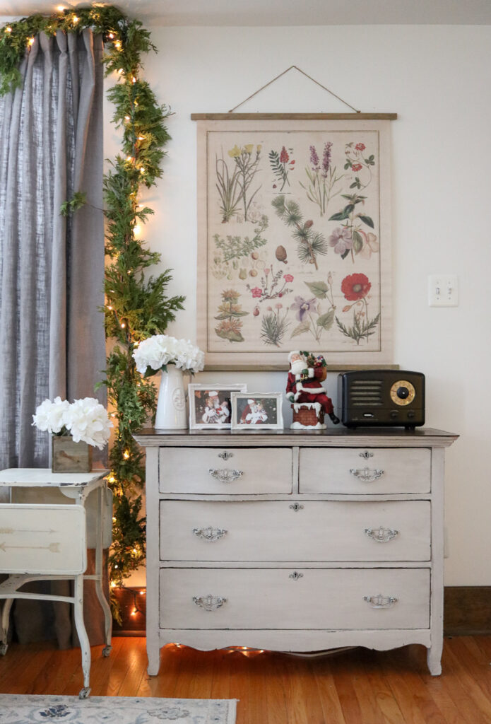 modern farmhouse living room Christmas decor